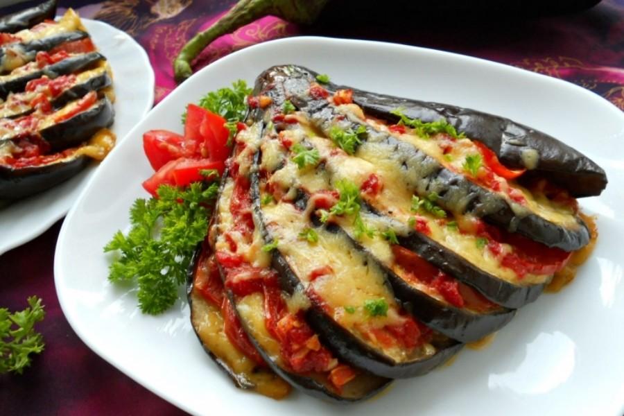 Баклажаны с сыром и овощами в духовке рецепт с