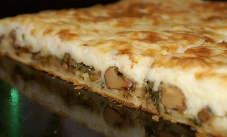 Пирог с грибами и яйцами из слоеного теста рецепт с